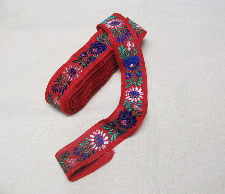 (Nr. 1) 1 Meter Stoffband bestickt (rot)