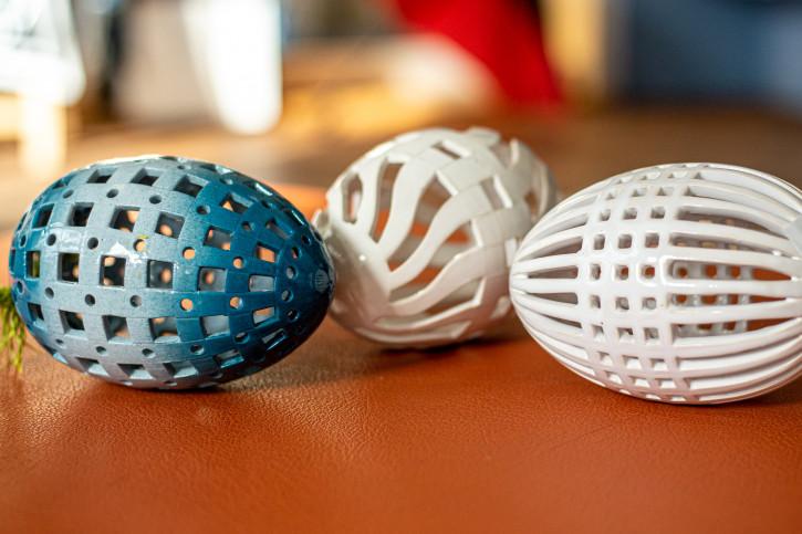 Grosses Keramik-Ei