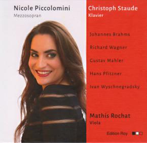 Nicole Piccolomini, Mezzosopran